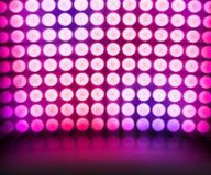 Fond d'étape violet de lumières de disco de danse Images libres de droits