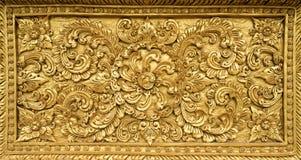 Fond d'abrégé sur fleur d'or de stuc Photos stock