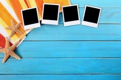 Fond d'album photos de vacances d'été, cadres polaroïd, l'espace de copie Image stock
