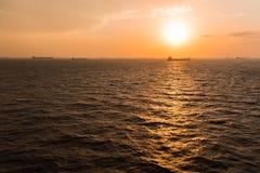 Fond d'ancrage de cargo photographie stock libre de droits