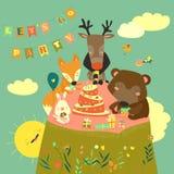 Fond d'anniversaire avec les animaux heureux Photo stock