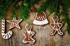 Fond d'arbre de Noël avec l'arbre de Noël et pain d'épice SH Image libre de droits