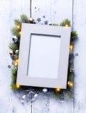 Fond d'Art Christmas avec les branches et le cadre de sapin image libre de droits