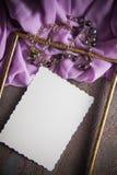 Fond d'Articstic avec la draperie lilas Images libres de droits