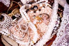 Fond d'or de bijou Photographie stock libre de droits
