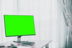 Fond d'espace de travail avec des accessoires de PC de bureau et de bureau Images libres de droits