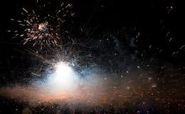Fond d'espace lointain - fermez-vous vers le haut des feux d'artifice Image libre de droits