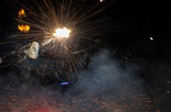 Fond d'espace lointain - fermez-vous vers le haut des feux d'artifice Photo libre de droits