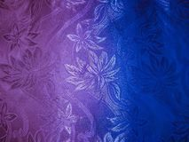 Fond d'image de couleurs de tissu de couleur argentée avec un fond rose et bleu sous forme de gradient Image libre de droits