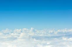 Fond d'image de nuage blanc et de ciel bleu Photographie stock libre de droits
