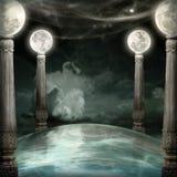 Fond d'imagination avec des colonnes de lune Photos stock