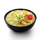 Fond d'isolement par nourriture indonésienne de nouilles de Soto Image stock