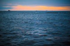Fond 3 d'océan de coucher du soleil Images stock