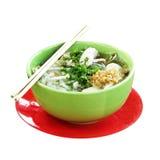 Fond d'onwhite de soupe de nouilles image stock