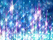 Fond de Ðœodern des rayons brillants colorés sur le bleu photographie stock libre de droits