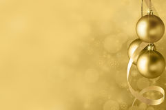 Fond de babiole de Noël d'or Image stock