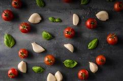 Fond de basilic d'ail de tomate Image stock