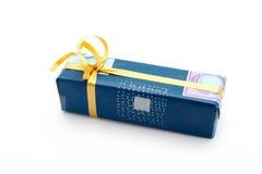 Fond de blanc de cadre de cadeau Photos stock