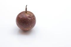 Fond de blanc de passiflore comestible de passiflore photo stock