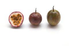 Fond de blanc de passiflore comestible de passiflore Images stock