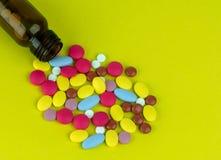 Fond de blanc de pilule de santé Photo libre de droits