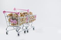 Fond de blanc de voiture de supermarché Images stock