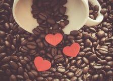 Fond de café, de tasse et de coeurs Images libres de droits