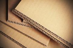 Fond de carton ondulé, détail de carton Photos libres de droits