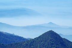 Fond de chaîne de montagne Images stock