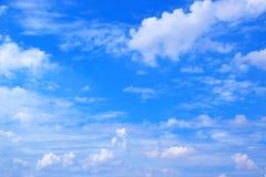 Fond 171016 0084 de ciel bleu et de nuages Photographie stock