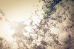 Fond de ciel nuageux photos stock