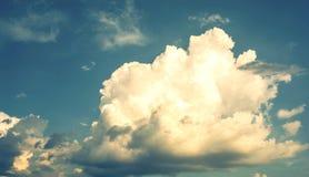Fond de ciel nuageux photo stock