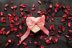 Fond de coeur de cadeau Images stock