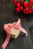 Fond de coeur de cadeau Photographie stock libre de droits