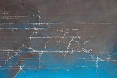 Fond de cru avec des fissures et gradient de noir au bleu photo stock