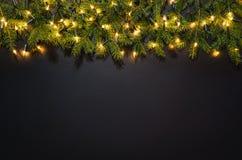 Fond de décoration de Noël au-dessus de tableau noir Photo libre de droits