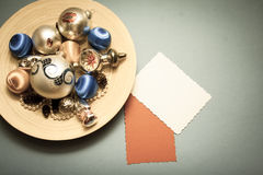 Fond de décorations d'hiver avec l'espace de copie Photographie stock libre de droits