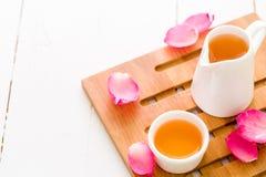 Fond de détente de concept/concept de détente/concept de détente illustré par Rose Tea chaude Photos stock