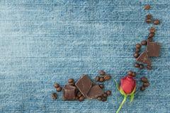 Fond de denim de Valentine, carte de voeux avec le textile original Photos stock