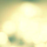 Fond de fête de tache floue avec le bokeh naturel et le Li d'or lumineux Photos stock