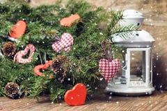Fond de fête et carte de voeux décorée pour la célébration de Noël et de la nouvelle année Images libres de droits