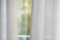 Fond de fenêtre de rideau images stock