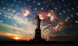 Fond de grunge de l'indépendance Day Liberté éclairant le monde Image stock