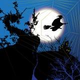 Fond de Halloween de nuit avec la sorcière Photos stock