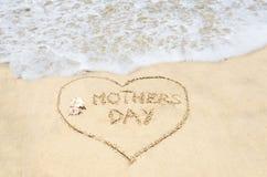 Fond de jour de mères sur la plage Photo libre de droits