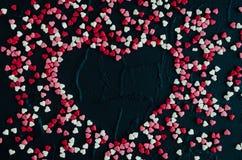Fond de jour de Valentines avec des coeurs Photos stock