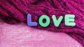 Fond de jour de valentines avec le message textuel et les écharpes d'amour L Image stock