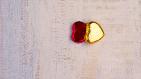 Fond de jour de valentines, deux coeurs sur le fond blanc Photos libres de droits