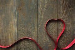 Fond de jour de valentines forme colorée d'amour par ri rouge Photographie stock