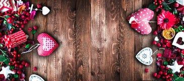 Fond de jour du ` s de Valentine avec les éléments orientés d'amour Image stock